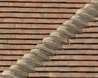 Bonnet tiles